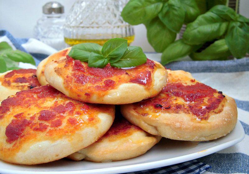 Pizzette pomodoro e basilico