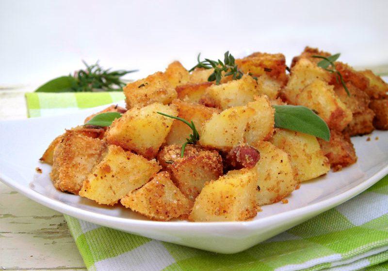 patate sabbiose con rosmarino salvia e timo