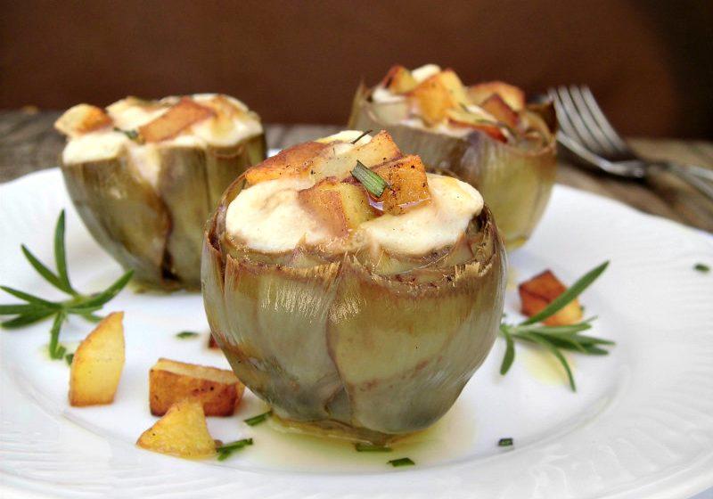 Carciofi ripieni con patate e formaggio