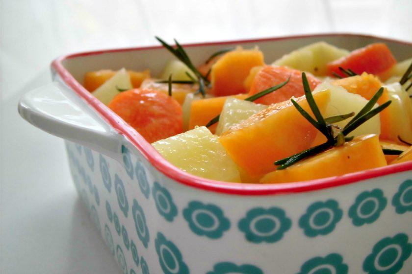 zucca al forno con patate e carote