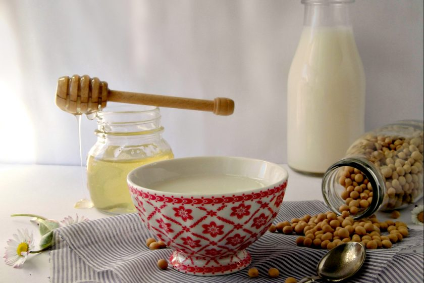 Latte di soia fatto in casa con estrattore MicroJuicer di Philips