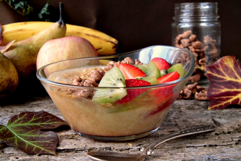smoothie bowl con mela pera e banana
