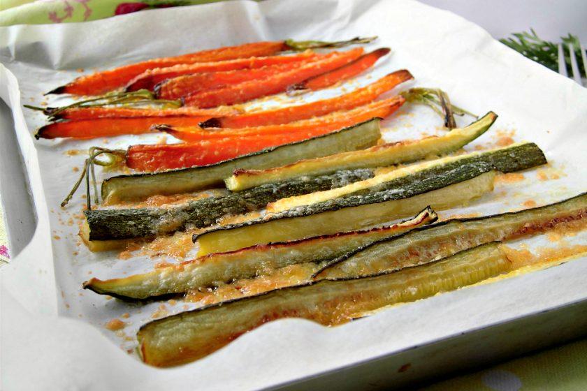 Stick di carote e zucchine al forno