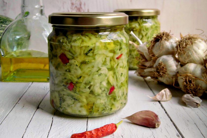 conserva di zucchine sott'olio a crudo