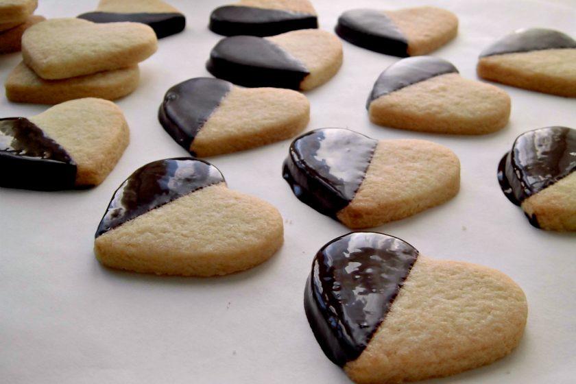 biscotti di pasta frolla e cioccolato.jpg