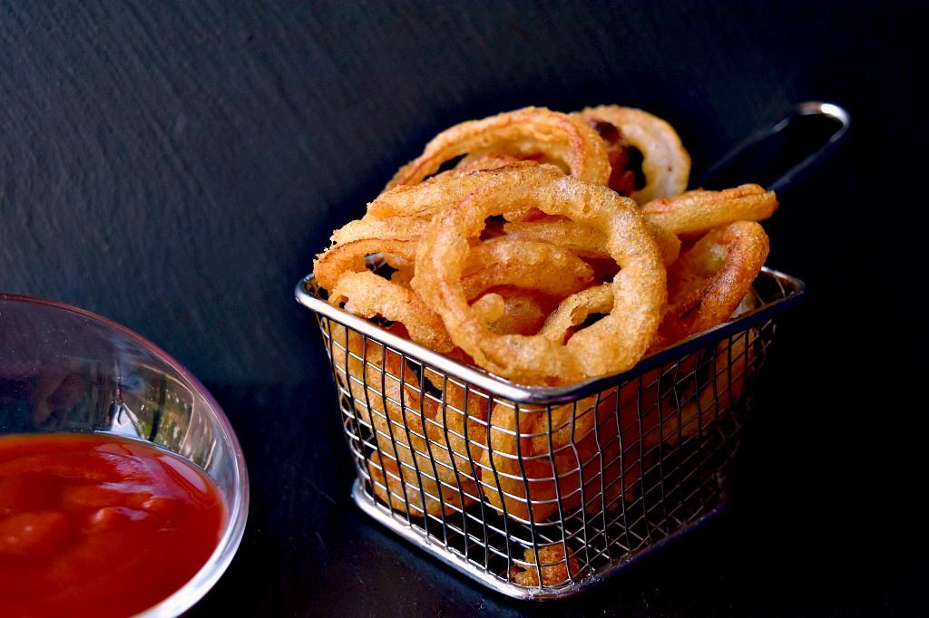 Anelli di cipolla fritti oonion rings