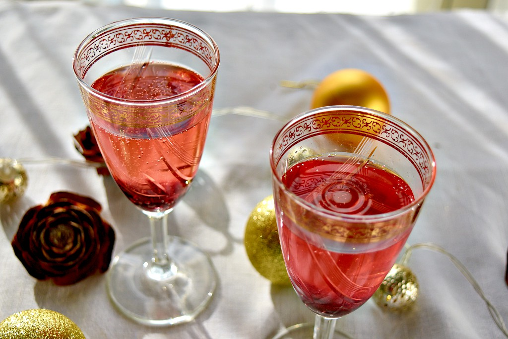 Jam and prosecco Cocktail