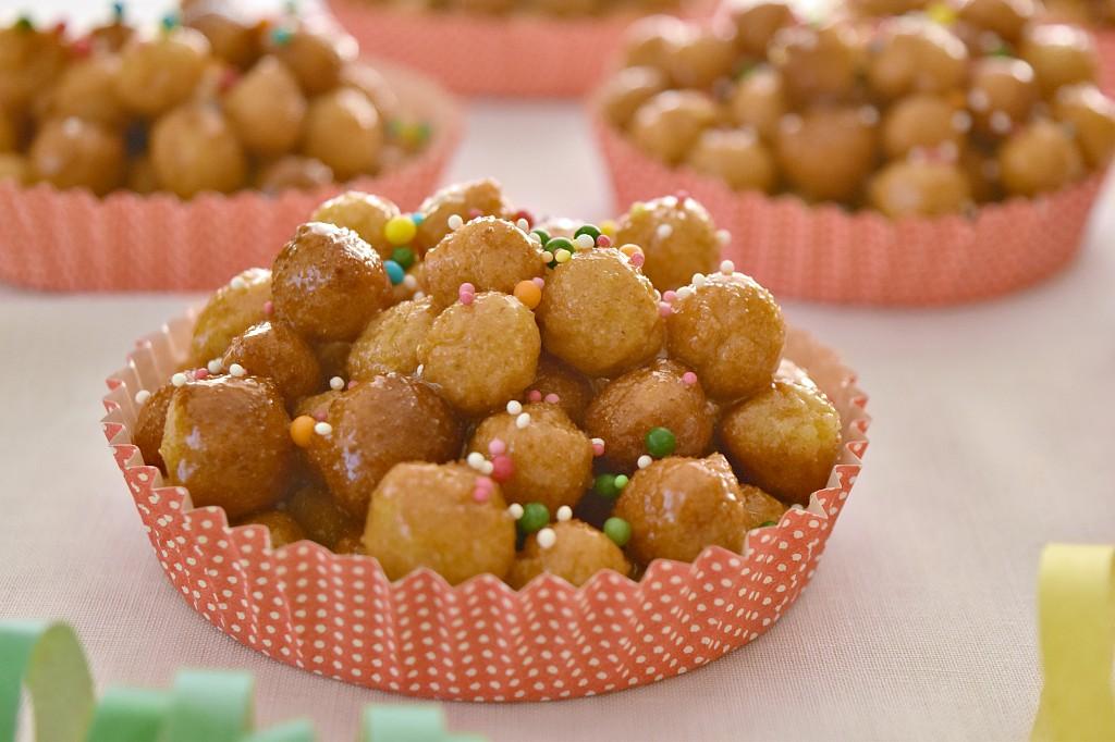 La cicerchiata, il classico dolce del carnevale abruzzese