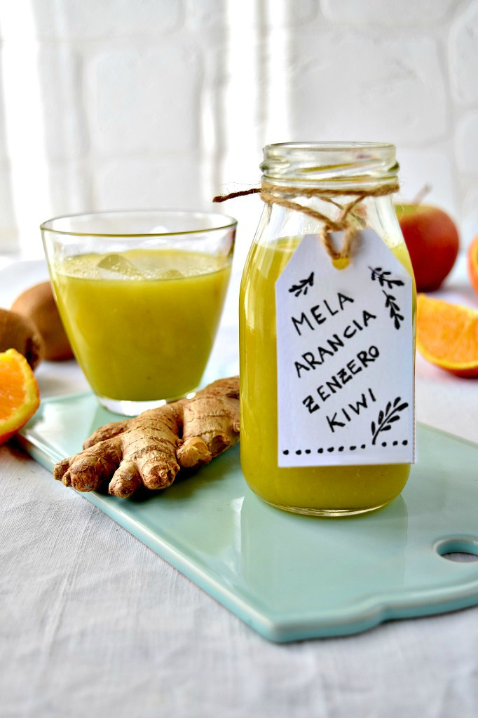 Estratto di arancia, kiwi, mela e zenzero