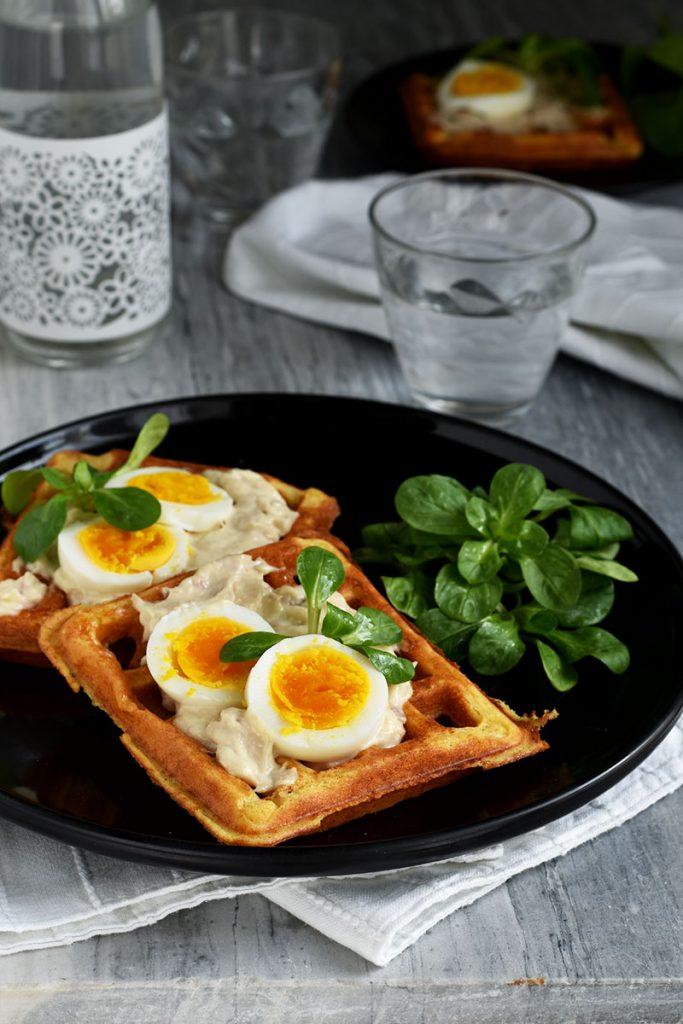 Waffle salati con tonno